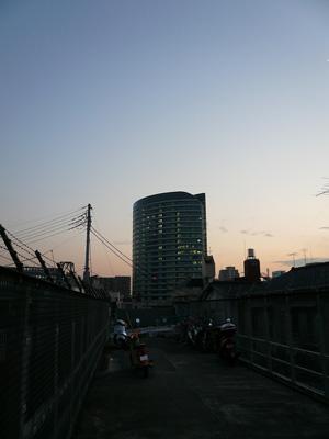 marunouchi_line_ue.jpg